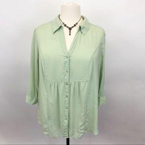 Avenue 100% Rayon mint green Button blouse 22/24